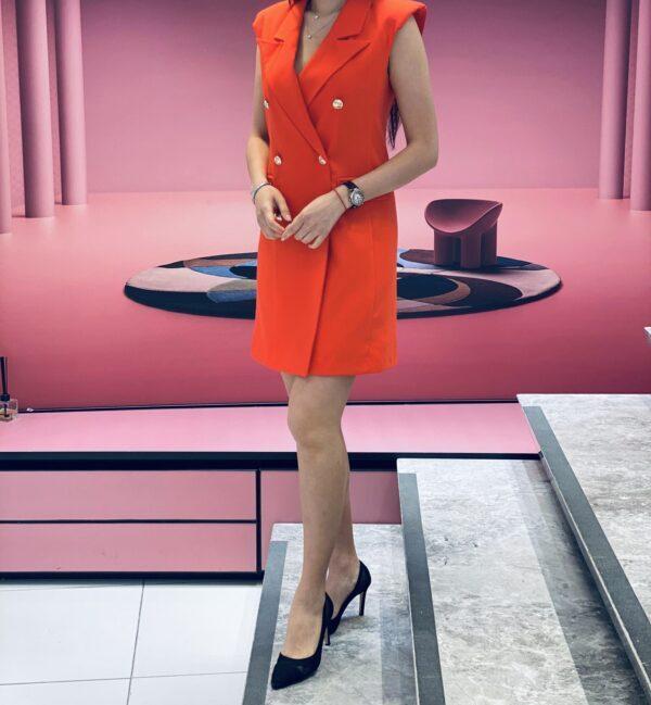 Блейзър-рокля в цвят корал elizabet.bg